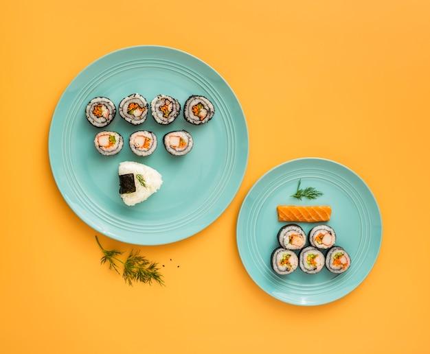 Плоский набор для суши в ассортименте Бесплатные Фотографии
