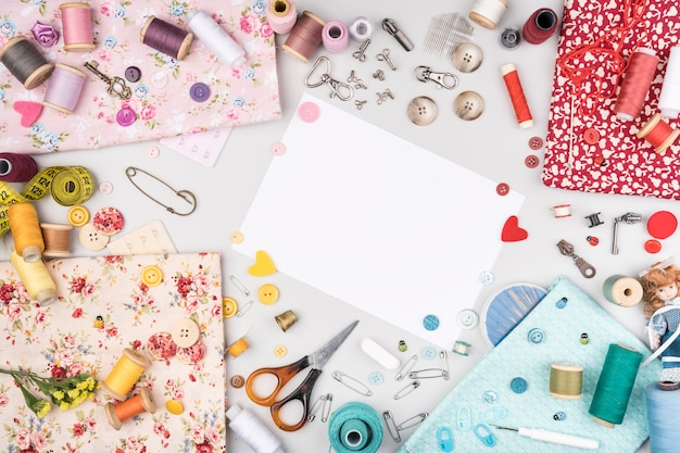 Flat lay of sewing supplies Free Photo