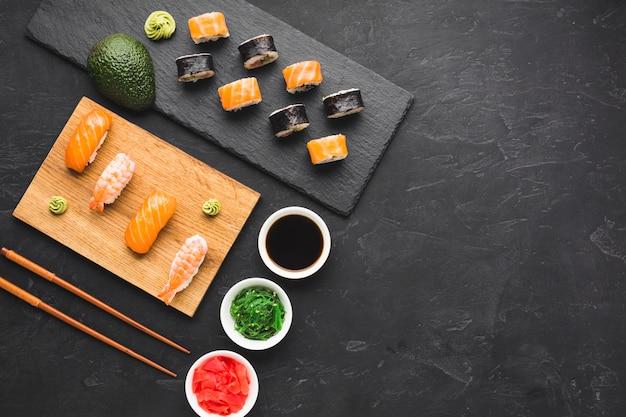 コピースペース付き平干し寿司アレンジ Premium写真
