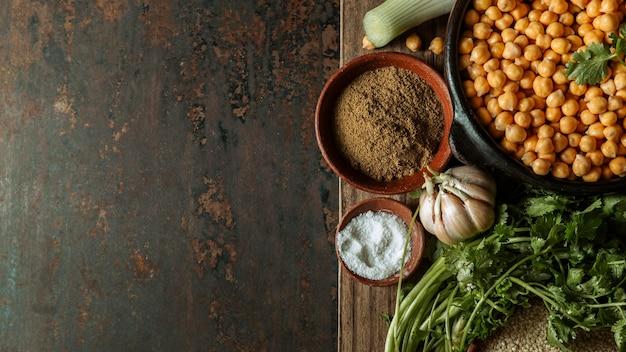コピースペースのあるフラットレイのおいしいユダヤ料理のフレーム 無料写真