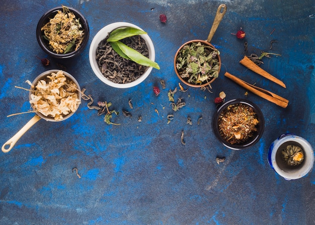 Flat lay tea composition with copyspace Free Photo