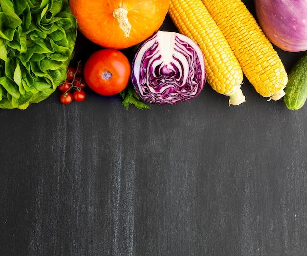 Flat lay vegan arrangement with copy space Free Photo