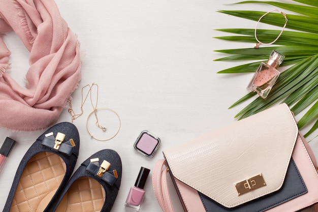 Flat lay with women accessories. fashion, trends and shopping concept Premium Photo