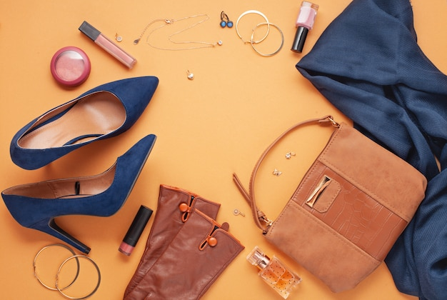 Flat lay with women's accessories. Premium Photo