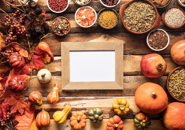 Flay lay autumn food frame mock-up Free Photo