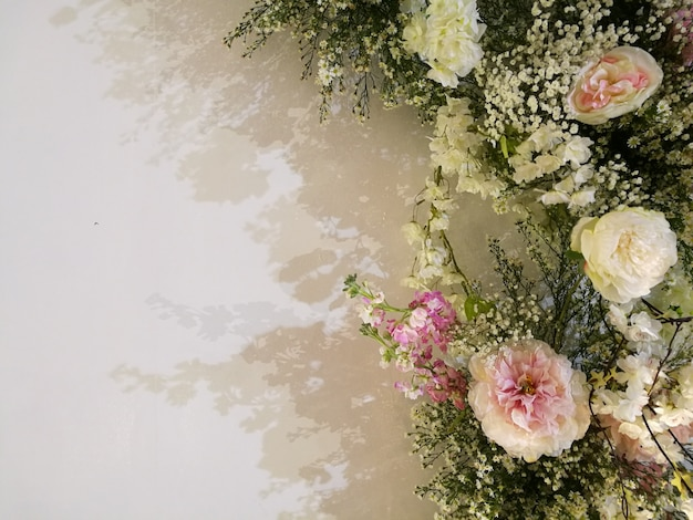 Flora blossoming delicate roses and orchid on blooming flowers festive background Premium Photo
