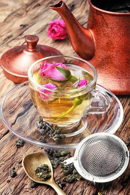 Floral tea with tea rose Premium Photo