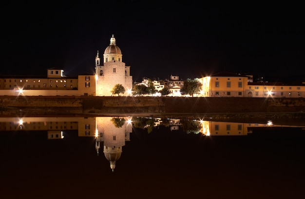 Florence at night Premium Photo