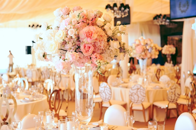 Flower centerpiece bouquets with pink and white eustomas Free Photo