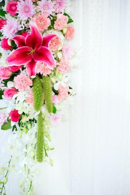 Flowers archway Premium Photo