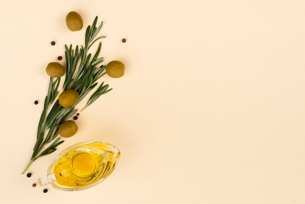 Flowers bouquet made from olives and leaves Free Photo