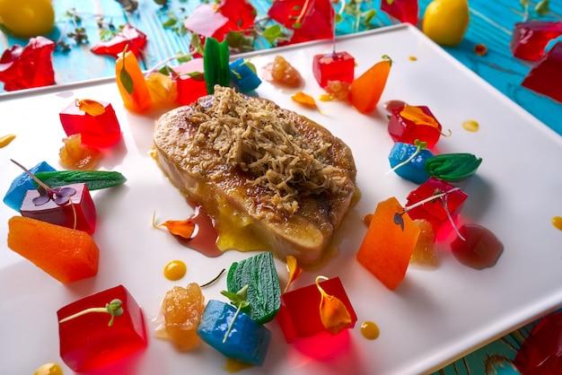 Foie slice grated white truffle and jelly Premium Photo