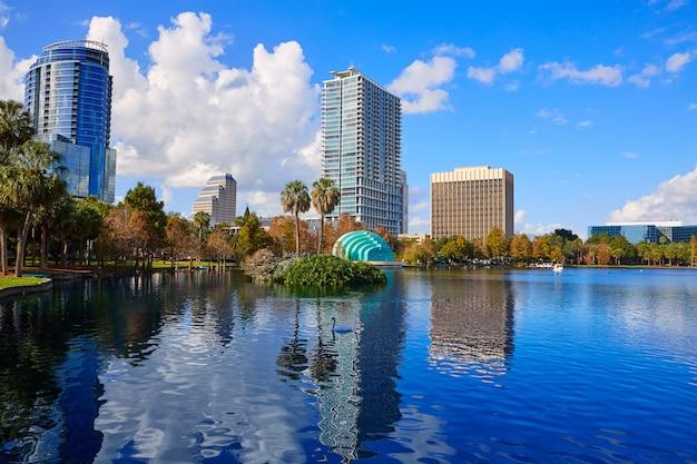 オーランドスカイラインfom湖eolaフロリダ米国 Premium写真