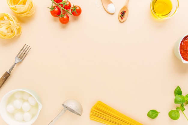 Food background with ingredients for pasta Free Photo