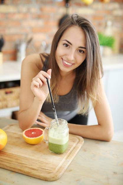 Vlogger alimentare Foto Gratuite