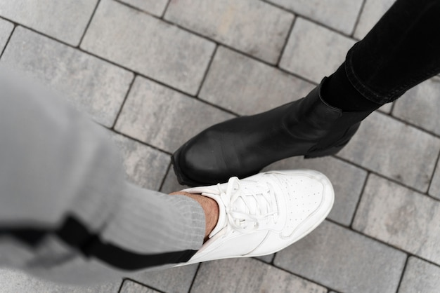 Альтернативные приветствия ноги шишка вид сверху Бесплатные Фотографии