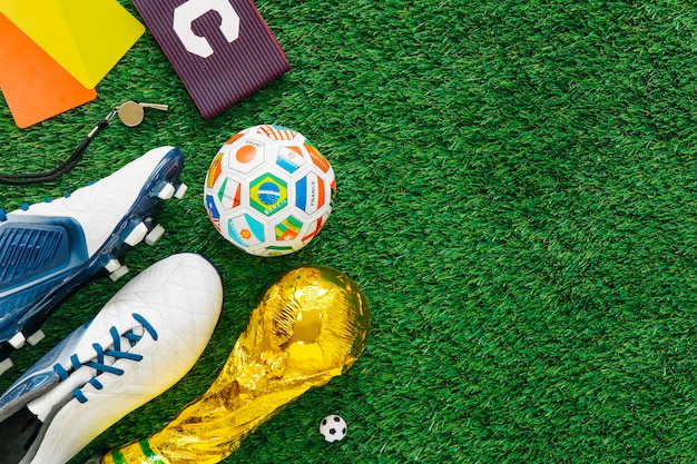 Football background with various elementos on left Free Photo