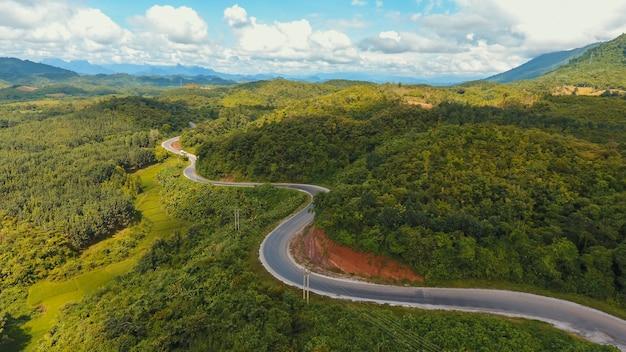 Foresta prato paese traffico paesaggio Foto Gratuite