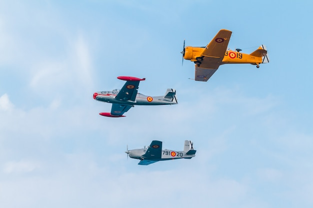 Formation of three aircraft of the fio Premium Photo