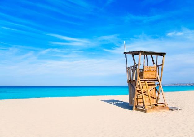 Formentera llevant beach lifeguard house Premium Photo