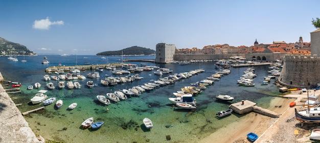 Fort st. ivana in dubrovnik, croatia Premium Photo
