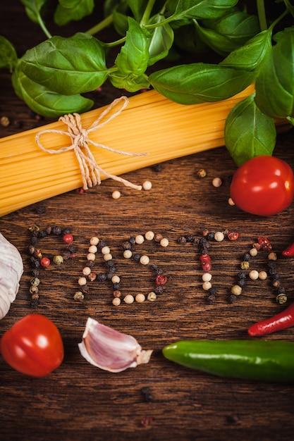 テキスト付きスパゲッティの材料からフレーム 無料写真