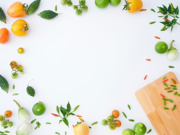 様々なアジア野菜のフレームです。 Premium写真