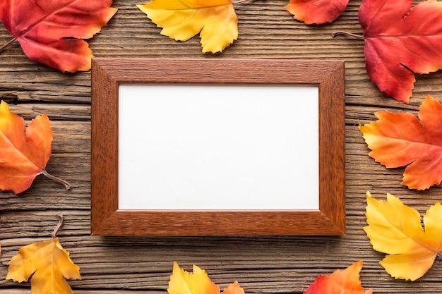 Рамка с осенними листьями Бесплатные Фотографии