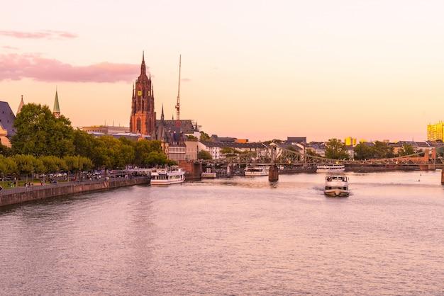 Frankfurt am main skyline Premium Photo