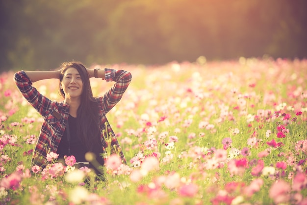 Free happy woman enjoying nature. beauty girl outdoor. freedom concept. Premium Photo