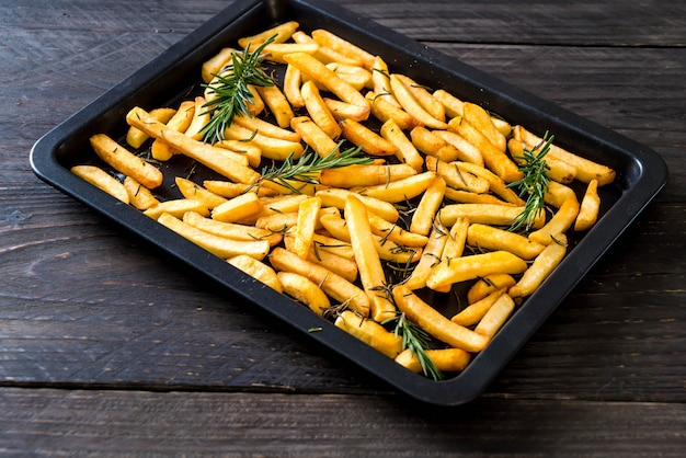 French fries with sauce Premium Photo