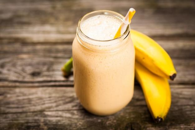 Fresh banana shake Premium Photo