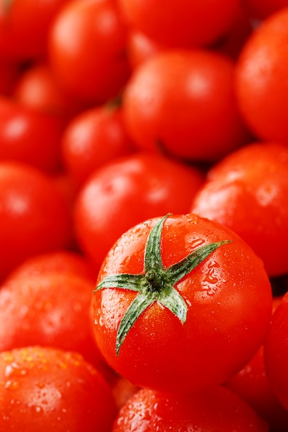 Fresh cherry tomatoes Premium Photo