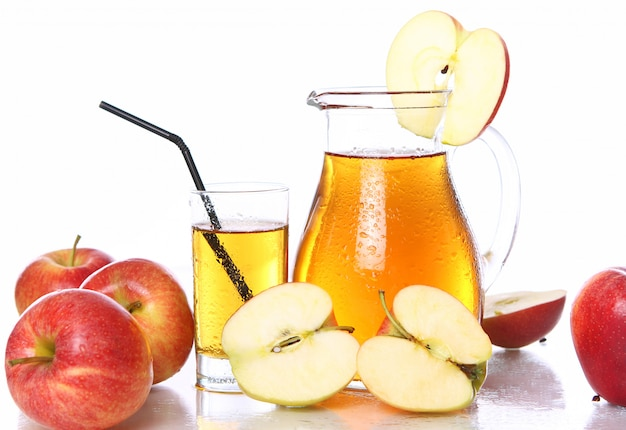 Fresh and cold apple juice Free Photo