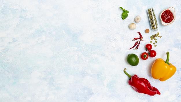 멕시코 요리를위한 신선한 다채로운 재료 무료 사진