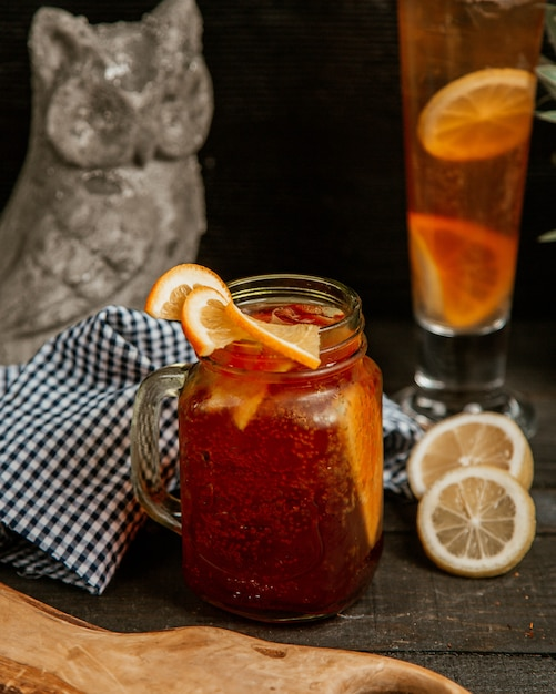 Fresh fruit ice tea with sparkling water Free Photo