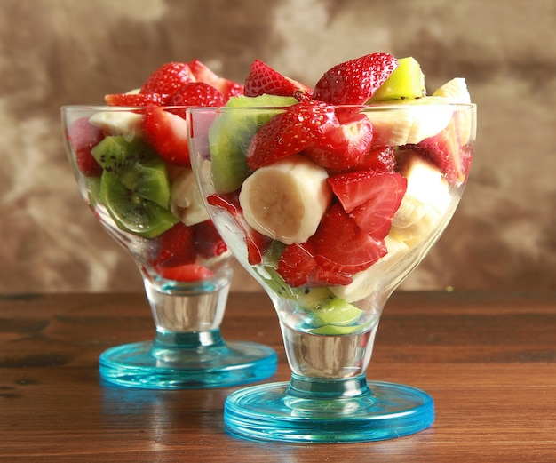 Fresh fruits salad Premium Photo