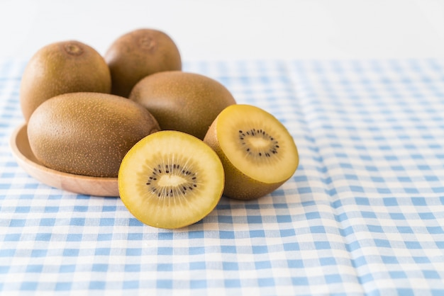 Fresh golden kiwi 1339 5162