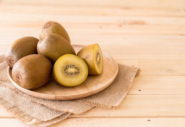 Fresh golden kiwi 1339 6008