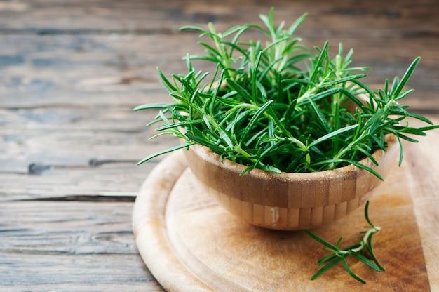 Sage Substitutes - Fresh green summer savory