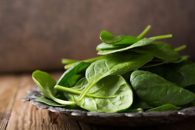 Fresh green spinach Premium Photo