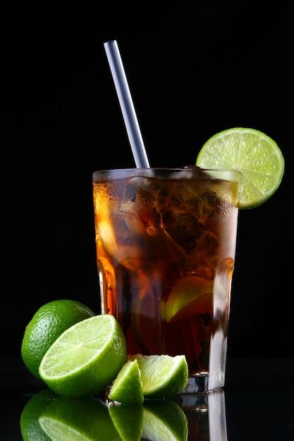 Fresh ice tea glass with lime Free Photo