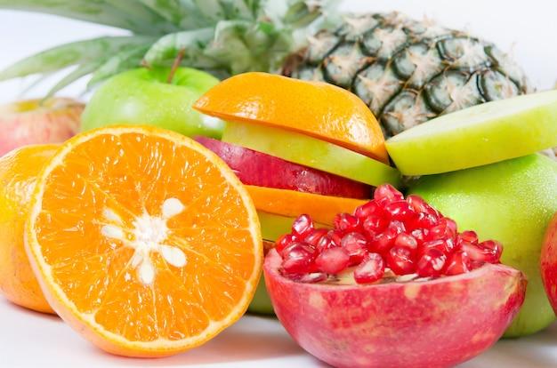 Fresh mixed fruits Premium Photo