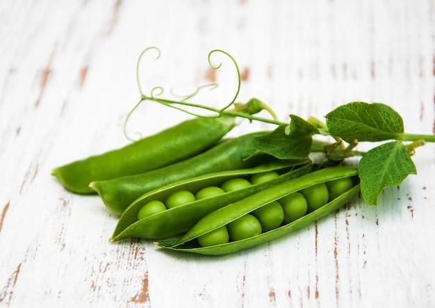 Fresh peas Premium Photo