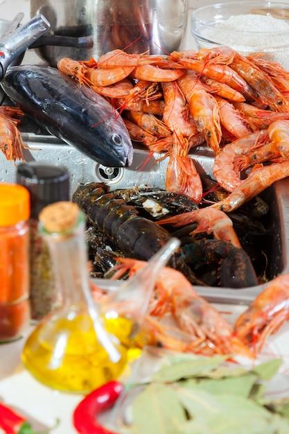 Свежие сырые морепродукты и специи Бесплатные Фотографии