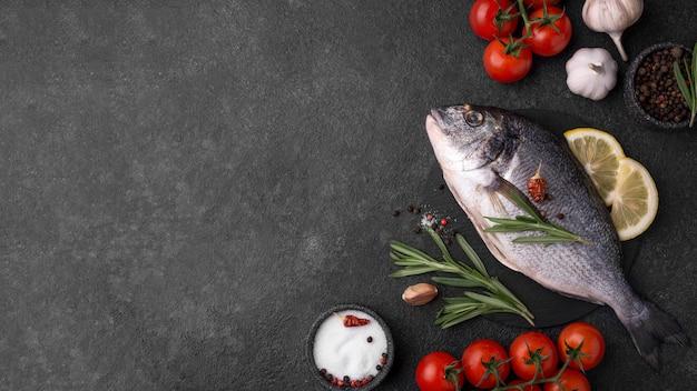 Свежая рыба морского леща плоская лежала копия пространства Бесплатные Фотографии