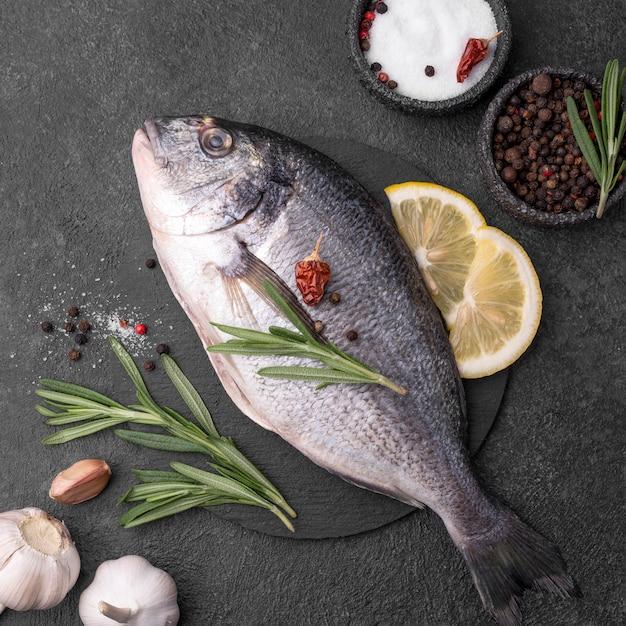 Свежая рыба морского леща Бесплатные Фотографии