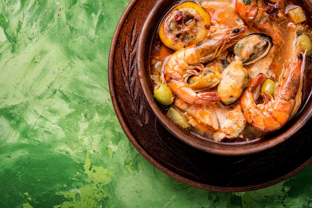Fresh seafood soup Premium Photo