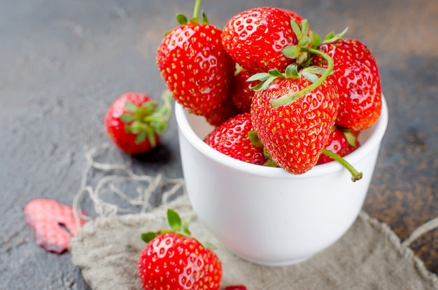 Fresh strawberries in a cup Premium Photo