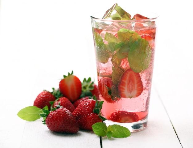 Fresh tasty strawberry and mint mojito Free Photo